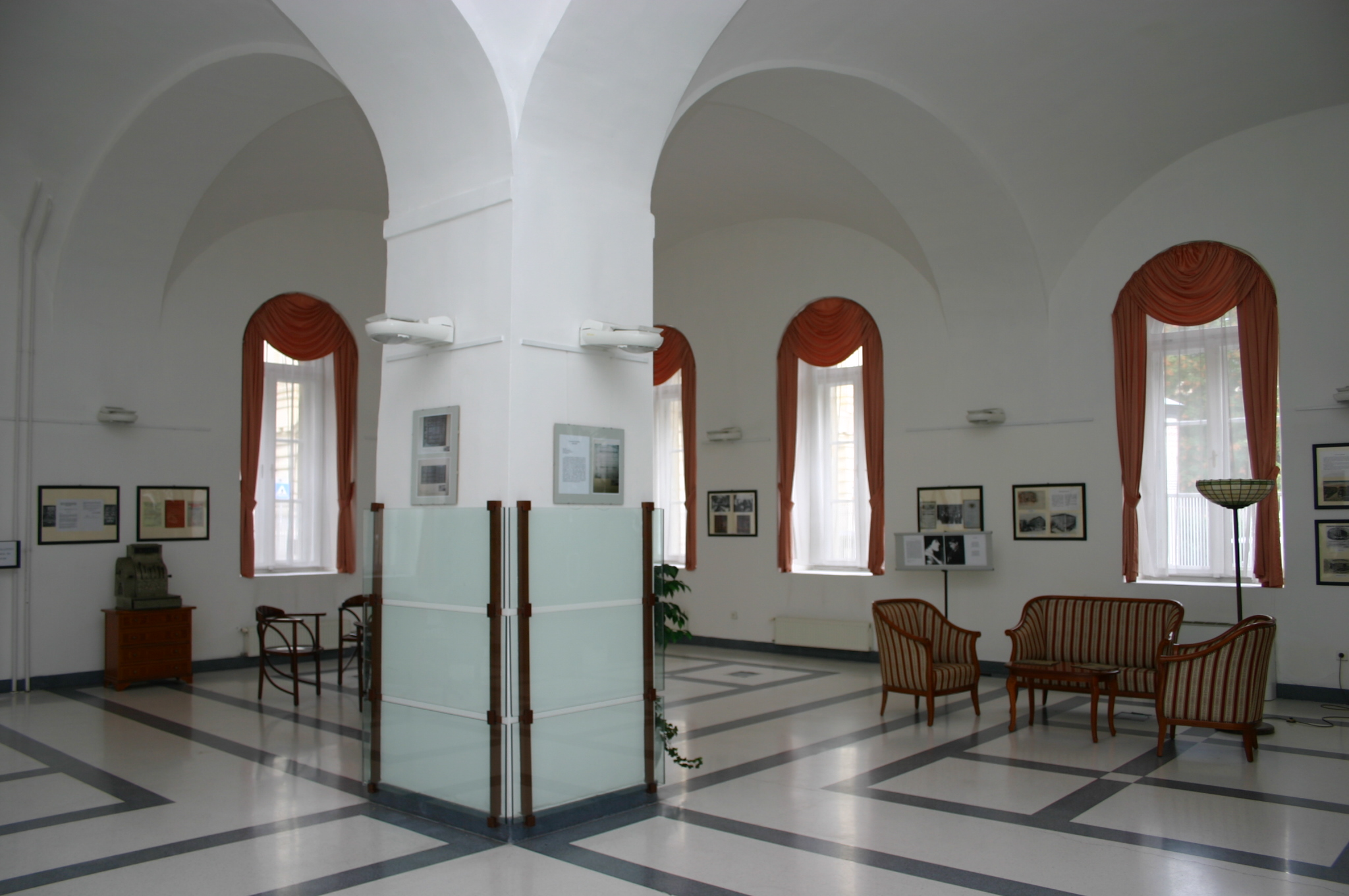 History of the building - exhibition (5).JPG